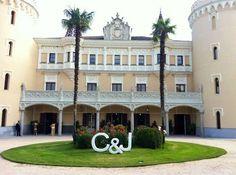 Del Castillo de Viñuelas siempre nos vamos con ganas de volver, y volvemos siempre..   www.bodaswedding.com/es/blog    Wedding Planner Madrid