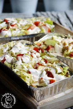 Holenderski kebab, fast food z foremki, kapsalon Kebab, Tasty, Yummy Food, Potato Salad, Cabbage, Grilling, Food And Drink, Appetizers, Menu