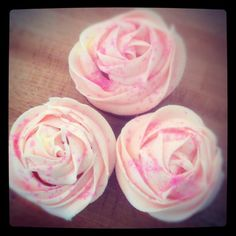 Easy DIY rose cupcakes: put a Wilton 1M tip on your piping bag. Using buttercream icing, pipe a mound in the center and spiral around it outwardly. For more quick DIY's, follow me on Instagram: www.instagram.com/thediymommy Happy Friday! (: