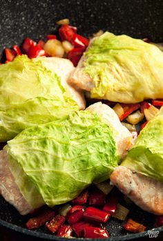 Cabbage-Wrapped Salmon - 30 min (salmon, cabbage, onion, bell peppers, coconut oil, salt & pepper)   http://www.paleomountain.com/paleo-diet-weight-loss-program/