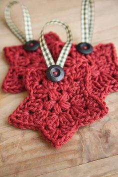 Crochet star pattern- I would hang these on my tree if they were white or glittery gold