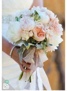 ブーケ Bridal Flowers, Flower Bouquet Wedding, Floral Wedding, Wedding Colors, Trendy Wedding, August Wedding Flowers, Flower Bouquets, August Flowers, Rose Flowers