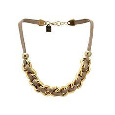 Collar Santander Dorado Beige   Collar corto de piel de ante con cadena dorada entrelazada de MAR BCN, consíguela en: www.marbcnshop.com