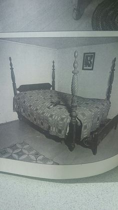 Laye Federal-early Empire trasitional bed Made in 1820 in Maine The New and Revised Catalog of American Antiques by William Ketchum