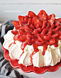 I Love Food, Good Food, Meringue Pavlova, Polish Recipes, Dessert For Dinner, Strawberry, Food And Drink, Cooking Recipes, Mad