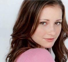 Skylar Stevens played by Candace Bailey