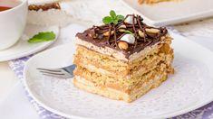 Ένα από αυτά που αγαπάμε περισσότερο να κάνουμε το καλοκαίρι είναι να απολαμβάνουμε ελαφριά και δροσερά γλυκά. | TASTE | BOVARY | ΓΛΥΚΟ ΨΥΓΕΙΟΥ, ΜΠΙΣΚΟΤΟΓΛΥΚΟ, Συνταγή Sweet Life, Tiramisu, Sweets, Ethnic Recipes, Food, Cakes, Dolce Vita, Gummi Candy, Cake Makers