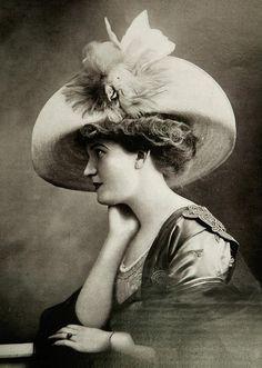 Les Modes (Paris) September 1909 Chapeau par Alphonsine