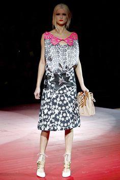 Miu Miu Spring 2011 Ready-to-Wear Fashion Show Collection