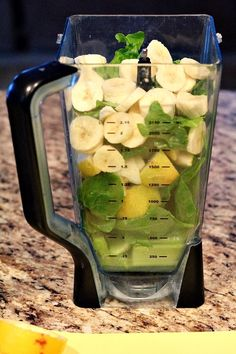 Smoothie: banana - spinach - apple - lemon - honey