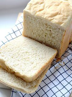 Lekker wit brood uit de broodbakmachine Bread Machine Recipes, Bread Recipes, Bread And Pastries, Pastry Recipes, Vanilla Cake, Muffins, Sandwiches, Rolls, Lunch