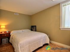 Chambre du sous-sol Bed, Furniture, Home Decor, House 2, Walkout Basement, Bedroom, Homemade Home Decor, Stream Bed, Home Furnishings