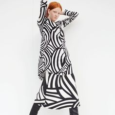 In Marimekko's early years, founder Armi Ratia encouraged her designers to create liberated silhouettes and non-figurative prints in which women could express themselves freely. Marimekko's spring 2017 collection brings together these revolutionary thoughts with new, surprising ideas. // #marimekko #marimekkoss17 #mymarimekko // Explore the Pre-Spring collection now in stores and at marimekko.com