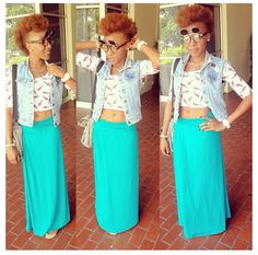 @her___again is styling it up while at school.  Love the outfit and #naturalhair #teamnatural #naturallyluvly #fashion