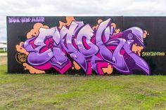 Loving purples and pinks lately. Graffiti Piece, Graffiti Wall Art, Graffiti Drawing, Graffiti Artists, Urban Graffiti, Graffiti Designs, Street Art Graffiti, Graffiti Lettering Fonts, Typography