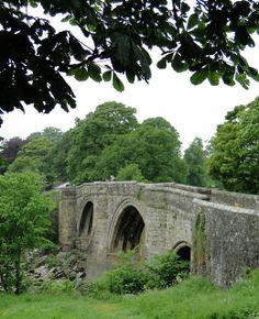 Devil's Bridge, Kirkby Lonsdale, Cumbria - pretty certain I've walked over this bridge. Cumbria, Lake District, Beautiful Architecture, Beautiful Landscapes, Building Bridges, England And Scotland, English Countryside, British Isles, Great Britain