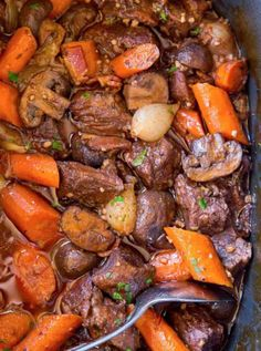 The EASIEST Slow Cooker Beef Bourguignon with all the delicious classic French flavors at a fraction of the work! An easy WEEKNIGHT meal. Healthy Slow Cooker, Slow Cooker Beef, Slow Cooker Recipes, Crockpot Recipes, Cooking Recipes, Slower Cooker, Crockpot Dishes, Beef Soup Recipes, Top Recipes