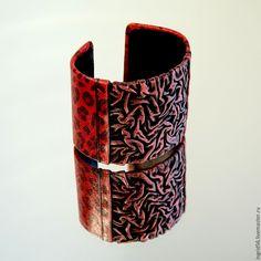 Купить Браслет из кожи Огненный леопард - 2 - ярко-красный, украшения из кожи