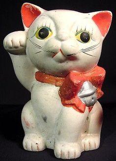 Rare-Mid-Century-Ceramic-Maneki-Neko-Lucky-Beckoning-Cat-Figurine