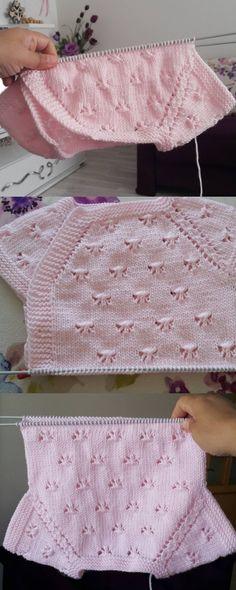 Seveceğiniz bir bebek yelek örneği . . #yelek #yelekmodelleri #knitters #patik #patikmodelleri #bebekpatik #bebekyelekleri #etsy #vsco #strike #şekerleme #patikaşkı #babybat #baby #bebek #like4like #crochet #handmade #knit #knitlove