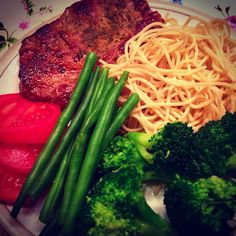 Eat Clean  Beans, Entrecôte Beef, Carbs, tomatoes and Broccoli