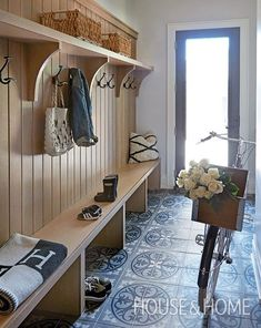 Top 5 Tips For An Organized Mudroom Add Hanging Storage An essential component in any mudroom or entryway is having plenty of space hang things; if you don't have enough, things can get cluttered fast. I like how Calgary designer Nam Dang-Mitchell mounted Mudroom Laundry Room, Farmhouse Laundry Room, Laundry Room Design, Bench Mudroom, Entryway Storage, Entryway Decor, Bathroom Storage, House Design, Interior Design