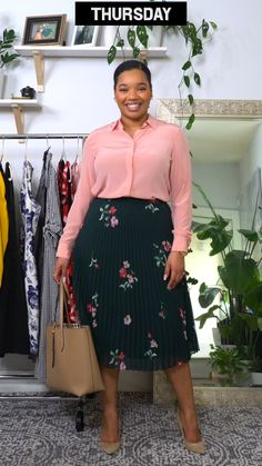 Discover recipes, home ideas, style inspiration and other ideas to try. Curvy Girl Outfits, Cute Casual Outfits, Stylish Outfits, Plus Size Outfits, Fashion Outfits, Latest African Fashion Dresses, African Print Fashion, Curvy Fashion, Plus Size Fashion