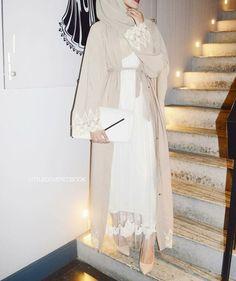 Hijab Fashion Selection of over 100 looks in trendy and chic Abaya Modern Hijab Fashion, Islamic Fashion, Abaya Fashion, Muslim Fashion, Modest Fashion, Asian Fashion, Modern Abaya, Bohemian Fashion, Vintage Fashion
