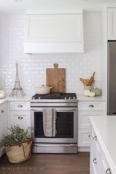 so much better with age Fall Kitchen Tour http://www.somuchbetterwithage.com/2016/10/fall-kitchen-tour/ via bHome https://bhome.us