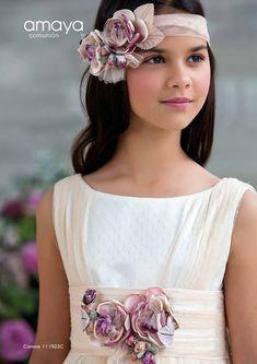 Amaya Comunión 2018 – Centro Novias Albolote First Communion Dresses, Tea Party Hats, Ceramic Flowers, Derby Hats, Fascinator, Sewing Crafts, Bridesmaid, Hair Styles, Photography