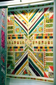 Our Clover Sunshine collection by Alison Glass looks stunning in this quilt by Jamie of Quilty Cakes. Click on the picture to make this great quilt yourself.