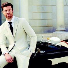 """Xabi Alonso: """"One thing that I regret in football, is not winning the Premier League with Liverpool. Xavi Alonso, Real Madrid, Rugby, Suit Fashion, Mens Fashion, Soccer Guys, Fc Liverpool, Football S, Football Players"""
