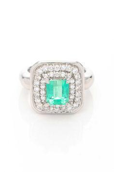 Vintage Estate Jewelry Platinum Emerald & Diamond Ring