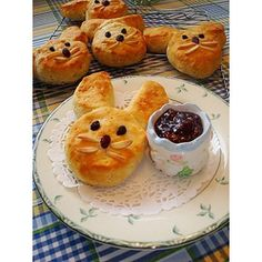 Easter #Bunny Biscuits  #Easter #Breakfast Ideas
