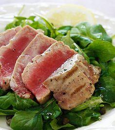 Grilled Tuna over Arugula with Lemon Vinaigrette