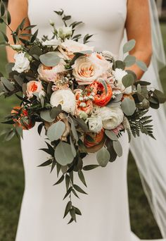 Wild Wedding Bouquet With Peach Roses, Coral Flowers And Greenery Foodie Romance : A Chic Elegant Wedding - Mann And Wife Photography Fall Wedding Bouquets, Fall Wedding Flowers, Wedding Flower Arrangements, Bride Bouquets, Bridal Flowers, Flower Bouquet Wedding, Floral Wedding, Bouquet Of Flowers, Natural Wedding Flowers