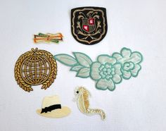 Vintage Iron On Patches, Six Patches, Seahorse, Hat, Bows, Blue flowers, Gold, Arms, 1970's door VasioniVintage op Etsy