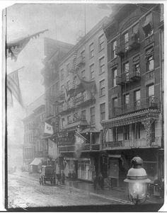 New York City Chinatown decorated for New Year, Jan. 21, 1909 - looking toward Port Arthur restaurant