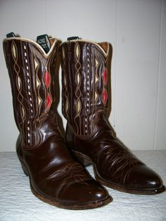 Great vintage Acme boots at www.oldsoleboots.com