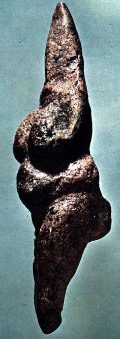 Venus de Savignano Venus, Sweet Briar College, Paleolithic Era, Ancient Goddesses, Serpentina, Earth Goddess, Archaeological Discoveries, Mother Goddess, Iron Age