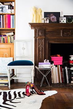 Gorgeous space in Amanda Ross's apartment - books everywhere!