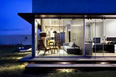 Box House by 1:1 arquitetura:design | HomeDSGN, a daily source for inspiration and fresh ideas on interior design and home decoration.
