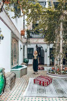 Dormire in un riad in Marocco - Wanderlustviola AFRICA Moroccan Design, Moroccan Decor, Marrakech, Travel Aesthetic, Interior And Exterior, Interior Design, House Styles, Places, Travelling