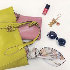Festa della Mamma? Trova il regalo giusto su manlioboutique.com #mothersday #beauty #handbags #accessories #bags