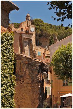 Gigondas, Vaucluse, Provence, Franceby panna-cotta