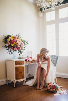 Wedding Blog How to Style Your Getting Ready Photos! Some really good advice here. Having these details out rather than in bags that clutter the room will make things pretty and accessible.