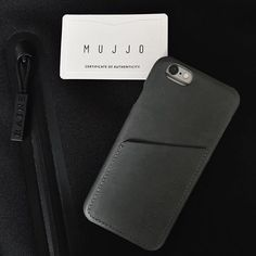 #Mujjo leather wallet case - By @vladpavlov - Available at mujjo.com