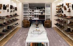 Heart and Sole: Checkland Kindleysides's New London Flagship for Cheaney Shoes Interior Design Magazine, Shop Interior Design, Retail Design, Store Design, Modern Interior, Uk Retail, Retail Space, D House, Shop House Plans