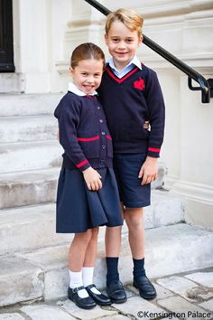 Sep 2019 - Duke and Duchess of Cambridge accompanied Princess Charlotte to her first day of the school with Prince George at Thomas's Battersea. Charlotte is Carole Middleton, Kate Middleton Kids, Kate Middleton Photos, Elizabeth Ii, Duchess Kate, Duke And Duchess, Duchess Of Cambridge, Old Prince, Prince Harry