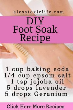 DIY Foot Soak For Dry Feet Use this simple epsom salt, lavender, geranium, and jojoba oil DIY recipes to sooth dry feet and detox your skin. This easy recipe can be used any time. Essential Oils For Pain, Essential Oil Uses, Diy Foot Soak, Diy Blog, Homemade Skin Care, Detox Recipes, Scrubs, Lip Gloss, Cleanser